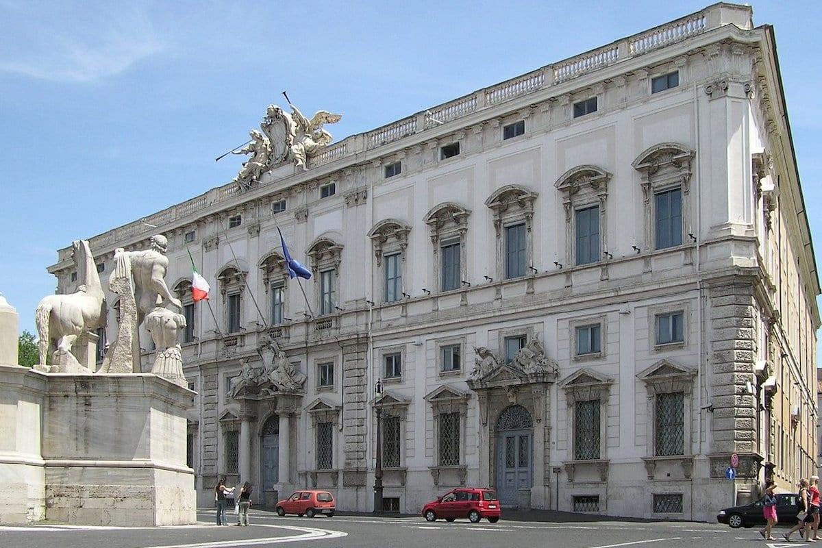 El Tribunal Constitucional de Italia en Roma [Wikipedia]