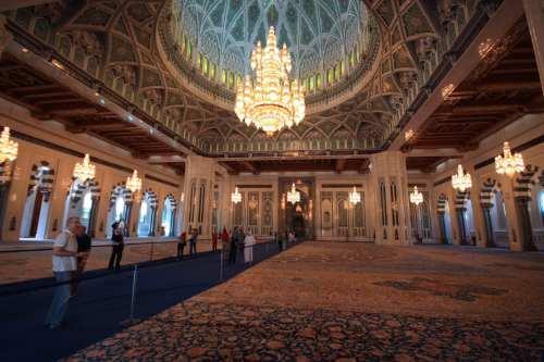 El sultán omaní aprueba el presupuesto de 2020 con un…