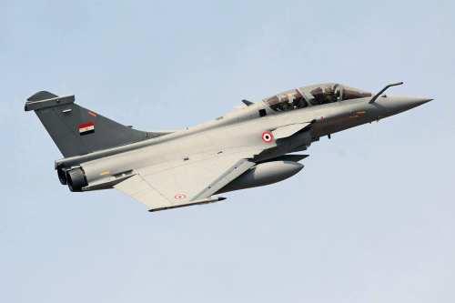Un piloto egipcio muere en un accidente de avión de…