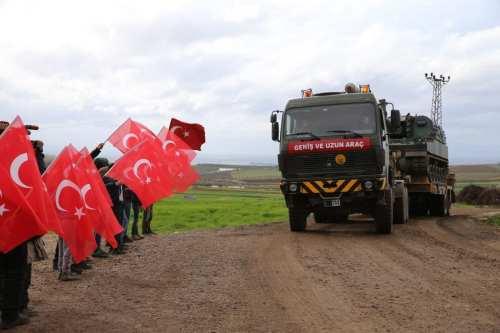 Siria: Turquía refuerza sus tropas en Idlib mientras habla con…