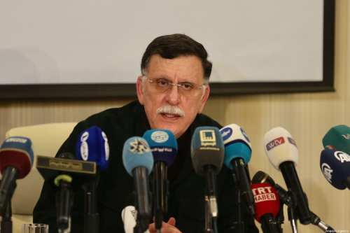 El gobierno de Trípoli suspende las conversaciones después de que…