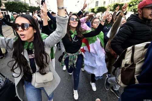Líder argelino advierte contra los intentos de incitar a la…