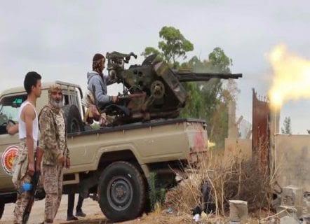 Feroces batallas cerca de Trípoli