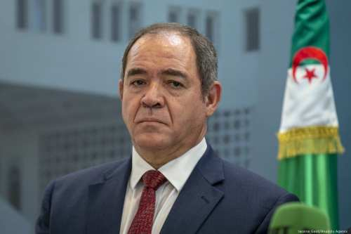 Argelia renueva su oferta de acoger las negociaciones entre las…