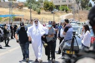 Los manifestantes palestinos están siendo detenidos durante los enfrentamientos entre la policía israelí y los manifestantes en una manifestación en apoyo del Sheikh Ekrema Sabri, el gran Imam de la mezquita de Al-Aqsa, en Jerusalén el 3 de junio de 2020. [Mostafa Alkharouf - Agencia Anadolu]