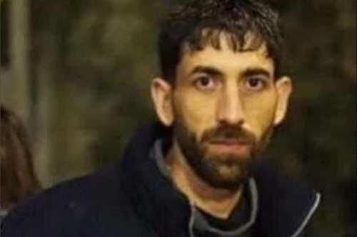 """Soldados israelíes matan a un hombre palestino """"mientras caminaba por…"""
