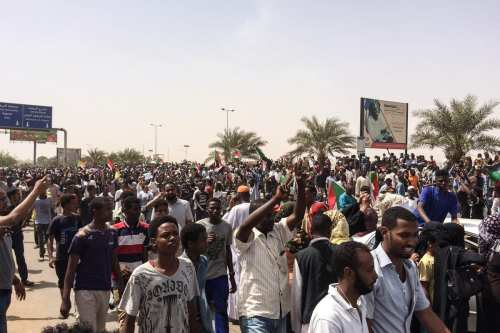 El ejército sudanés inicia acciones legales contra los activistas y…