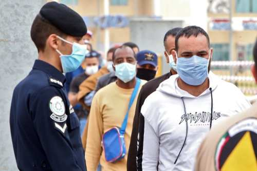 Kuwait se prepara para expulsar a 370.000 trabajadores extranjeros