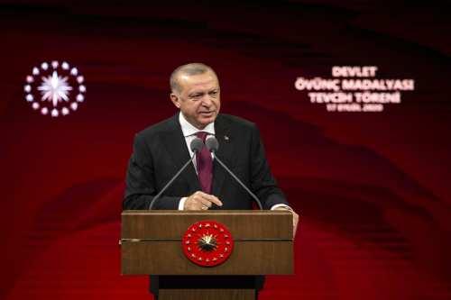 Erdogan: Los enemigos de Turquía intentan impedir su desarrollo
