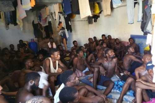 Amnistía Internacional: La milicia Haftar expulsa a 5.000 refugiados