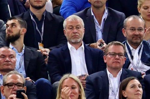 El dueño del Chelsea donó millones a un grupo de…