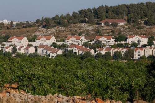 Israel aprueba cientos de nuevos asentamientos en la Ribera Occidental…