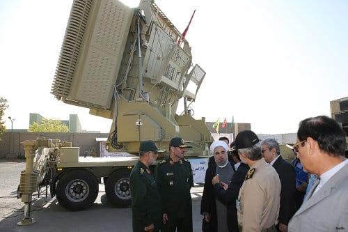 Irán lanza con éxito su escudo antimisiles de fabricación nacional…