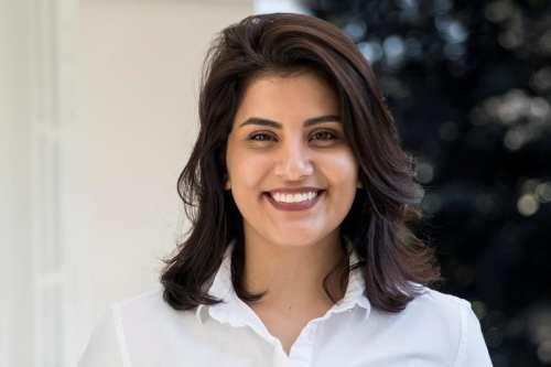 El activista de derechos saudí encarcelada Loujain Al-Hathloul inicia una…