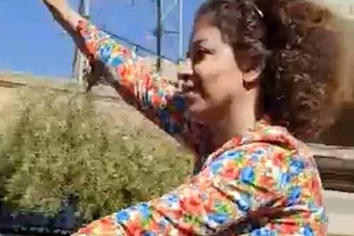 Mujer iraní arrestada por ir en bicicleta sin hiyab