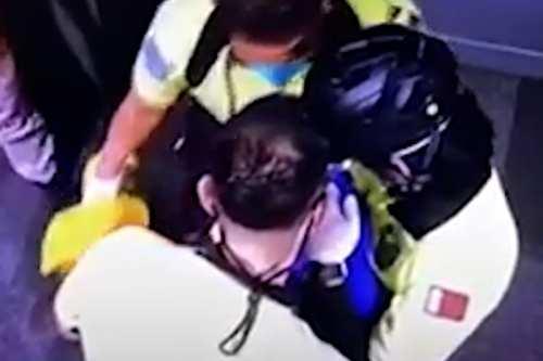 Descubren un bebé en una papelera del aeropuerto de Doha