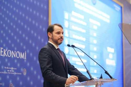 El ministro de Economía de Turquía renuncia ante la crisis…
