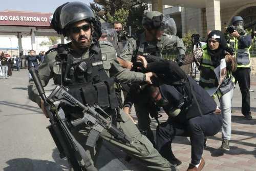 Israel cometió 414 violaciones contra periodistas palestinos en 2020