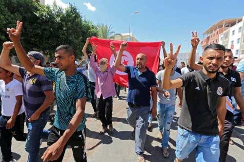 Amnistía pide a Túnez que deje de perseguir a los…
