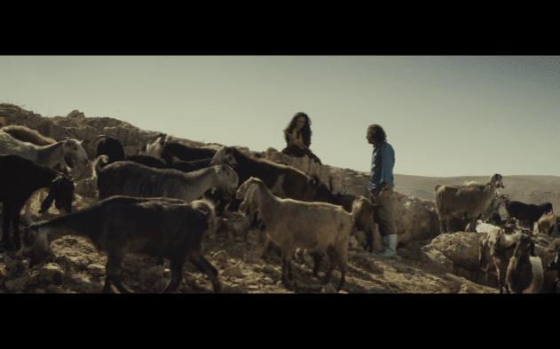 Dawood conoce a la pastora por primera vez.