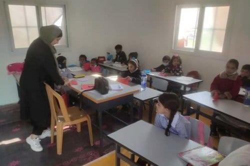 Atrapados entre la Covid y los colonos: Cómo una escuela…