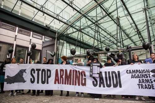 Reino Unido se niega a detener la venta de armas…