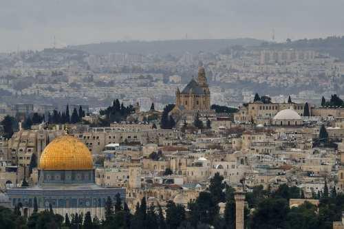Israel vuelve a prohibir a los palestinos rezar en la…