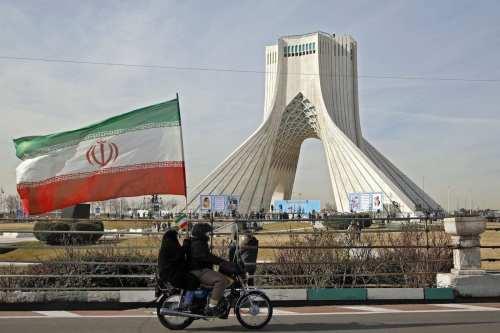 Los líderes de los EAU felicitan a Teherán por el…