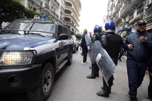 Argelia: Un tribunal militar emite una orden de detención contra…