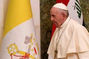 El Papa Francisco es fotografiado en el palacio presidencial de Bagdad el 5 de marzo de 2021 en la primera visita papal a Irak [VINCENZO PINTO/AFP via Getty Images].