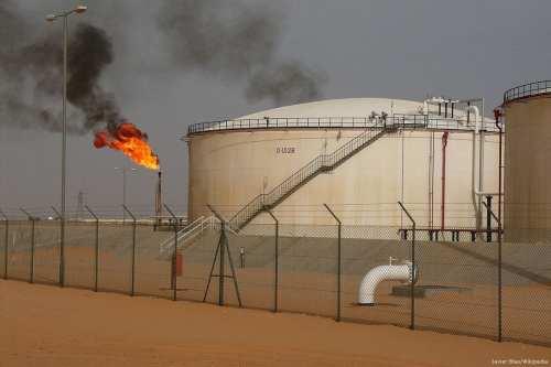 Libia afirma que el vertido de petróleo está controlado