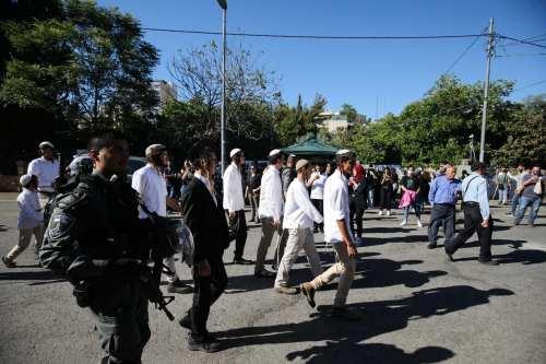 Los colonos israelíes reanudan los ataques contra los palestinos en…