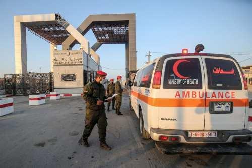 Egipto permite la entrada de sólo 24 de los 2.000…