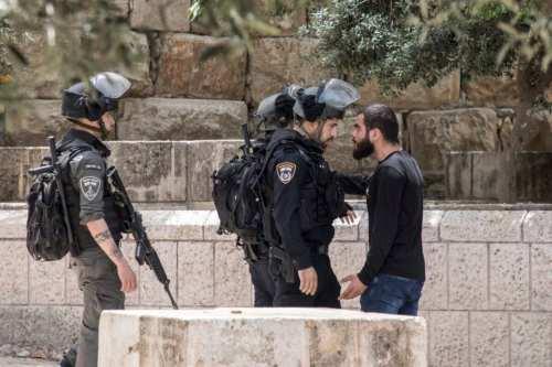 Hamás: Israel está cometiendo crímenes de guerra contra los fieles…