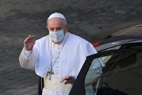 El Papa dice que no hay que devolver a los…