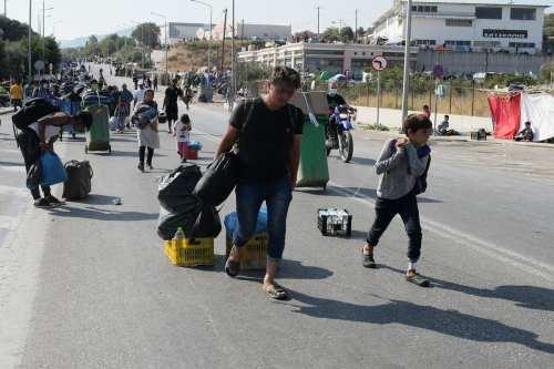 Amnistía denuncia a Grecia por deportar brutalmente a los solicitantes…