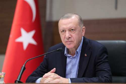 Erdogan: Turquía no puede soportar una nueva oleada de inmigrantes