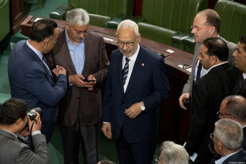 Última hora: El ejército tunecino prohíbe al presidente entrar en…