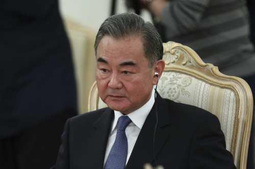 China quiere desempeñar un papel más importante en la mediación…