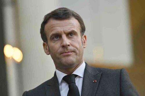 El número de teléfono del presidente francés entre la lista…