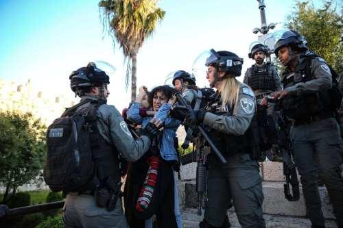 La policía israelí agota su arsenal de armas contra los…