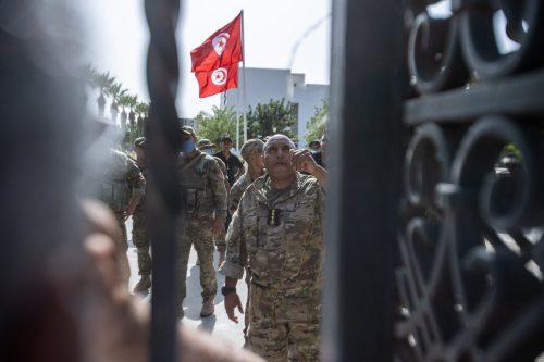 Túnez: Europa pide que se respeten las instituciones del Estado…