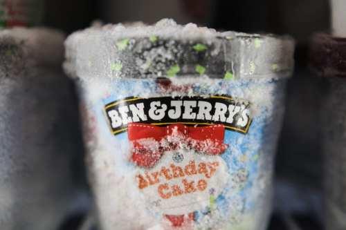 Ben and Jerry's congelará la venta de helados en los…