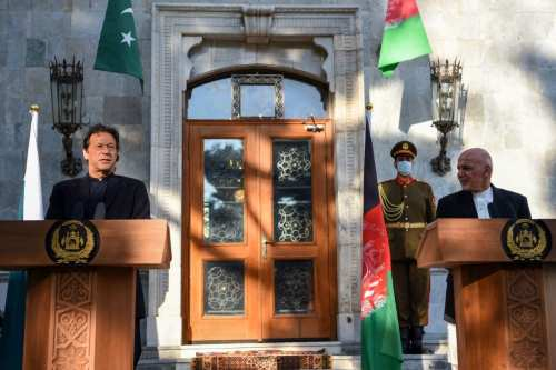 "Pakistán e Irán discuten el ""deterioro"" de la situación de…"