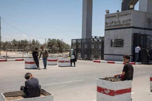 Egipto reabre el paso fronterizo con Gaza para la festividad…