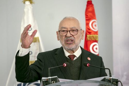 """Ghannouchi: la democracia tunecina está """"demonizada"""" por los medios de…"""