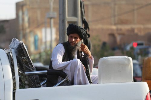 Los talibanes nombran a un ex preso de Guantánamo ministro…