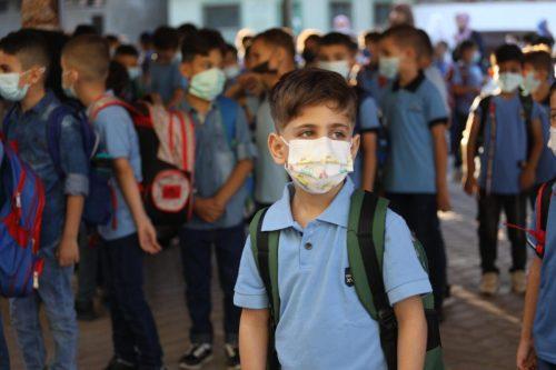 180.000 niños de Gaza regresan a escuelas dañadas