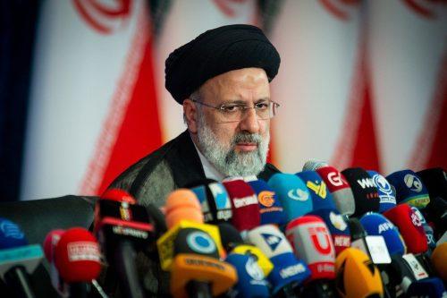 Irán y Francia discuten la reactivación del acuerdo nuclear