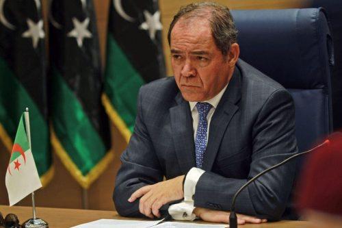 """Argelia espera desempeñar un """"papel eficaz"""" en Libia tras una…"""